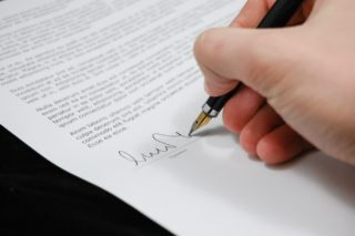 Business Contracts | Raleigh Business Lawyer